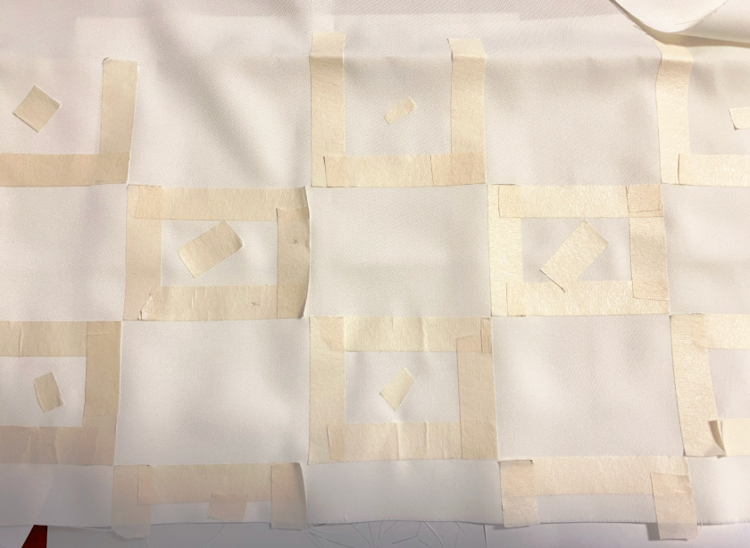 市松模様を染める前にマスキングテープ